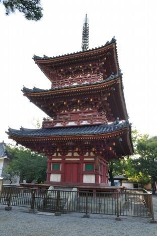 刀田山 鶴林寺 三重塔