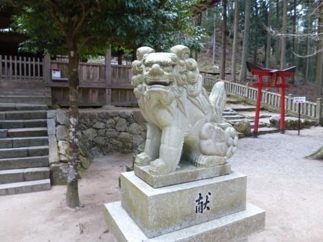青玉神社 [兵庫県多可郡多可町] 狛犬