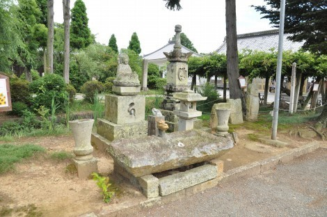 小野市 浄土寺 水向石