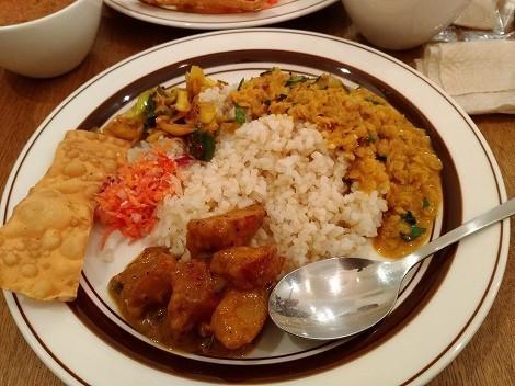 カラピンチャ (Karapincha)でスリランカカレーを
